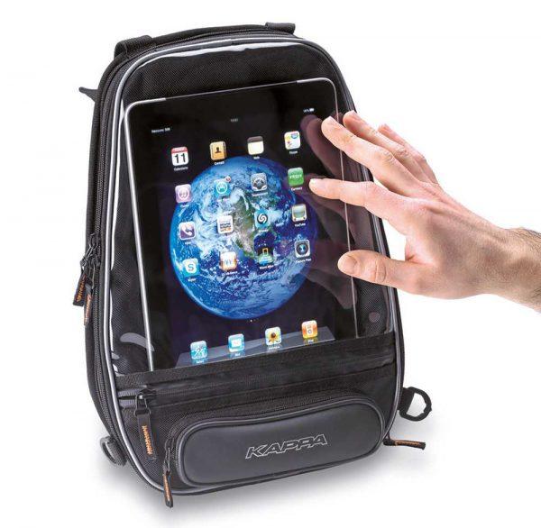 KAPPA Magnetyczna Torba na Bak z Mapnikiem LH204 to mała torba na dokumenty o pojemności 6 litrów, ale najważniejsze jest fakt, że posiada kieszeń na iPoda.